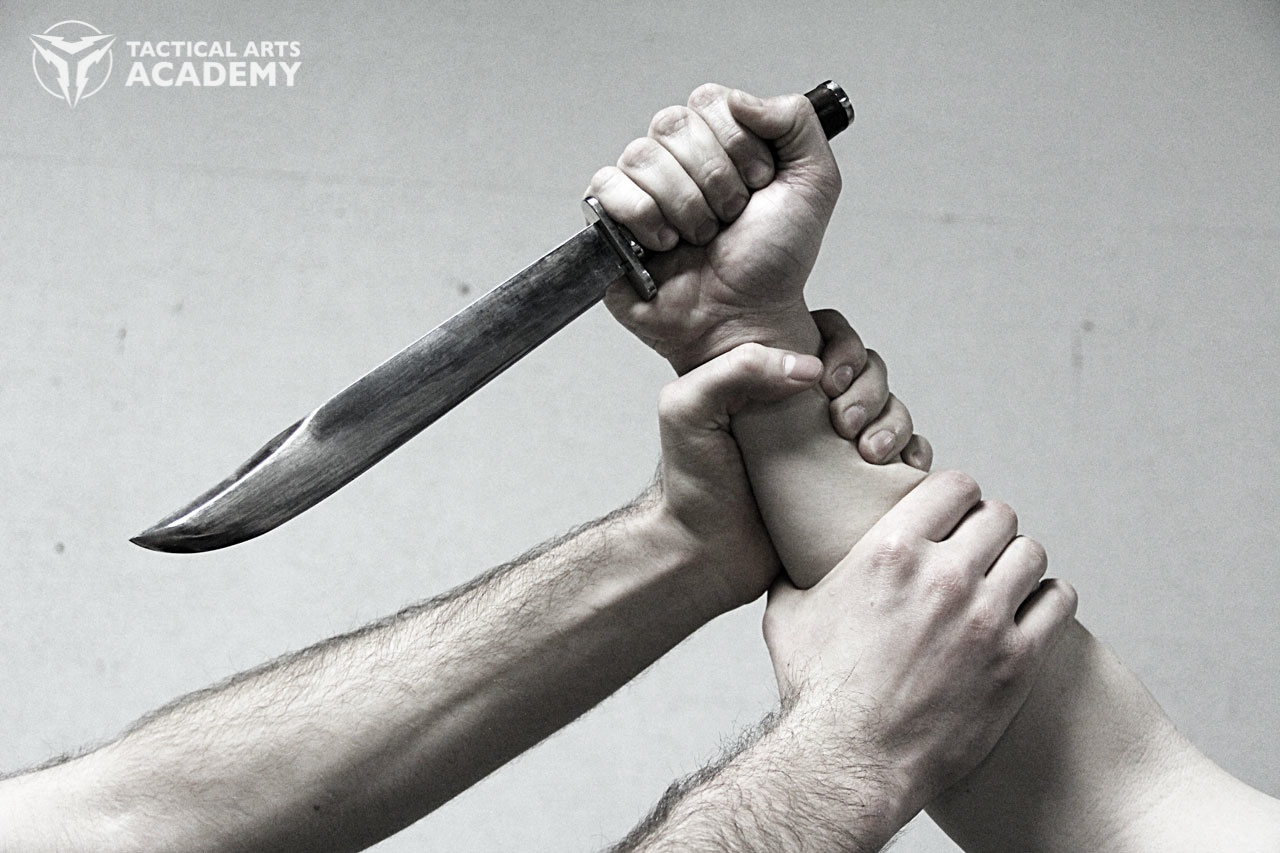 The Do's and Don'ts of Surviving a Knife Attack
